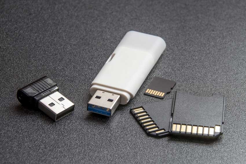 How Does a Flash Drive Help You Save Paper?